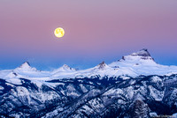 Wolf Moon setting behind Uncompahgre and Wetterhorn